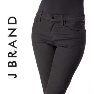 J Brand Vanity Black Straight Jeans 8404
